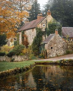 Britain Uk, Great Britain, British Countryside, England And Scotland, Peak District, Village Houses, Stone Houses, Derbyshire, Countries Of The World