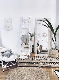 Home Bedroom, Bedroom Decor, Bedroom Mirrors, Bedroom Ideas, Bedroom Inspo, Girls Bedroom, Master Bedroom, Cozy Apartment Decor, Apartment Interior