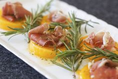 Bruschetta, Food Styling, Brunch, Yummy Food, Dining, Fruit, Breakfast, Ethnic Recipes, Xmas