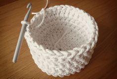 Free crochet pattern: chunky crochet storage tubs - Mollie Makes