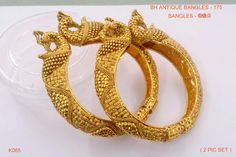 Gold Ring Designs, Gold Bangles Design, Gold Jewellery Design, Gold Jewelry, Gold Kangan, Indian Jewelry Earrings, India Jewelry, Silver Payal, Gold Mangalsutra Designs