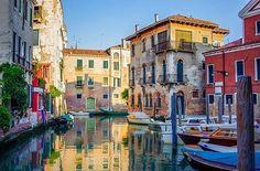 Buona Pasqua a tutti 🐣 Mick Inger @15seconds.cc #Venezia #venessia #travel #venice #instavenice #lovevenice #viaggio #italy #veneto #ig_venezia #igersvenice #igersveneto #iloveitaly #beautifulitaly #igerslaguna #veniceforever #citybestpics #igersitalia #gondole #canal #lagunadivenezia #laguna #veneziadavivere #veneziapersempre | SnapWidget