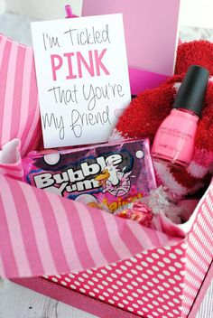 Cute Gift Idea for a Friend or Birthday-Tickled Pink Gift Box A Peek at the Fun: If you are looking for pink gifts for someone who loves the color pink, this cute tickled pink gift idea is a super fun gift that she will LOVE! Fill a Pink Gift Box, Pink Gifts, Cute Gift Boxes, Bff Gifts, Teacher Gifts, Cute Gifts For Friends, Diy Birthday Gifts For Friends, Diy Friend Gift, Gifts In A Box