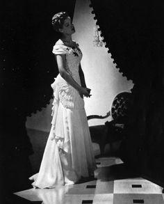 Lovely vintage bridal gown in 1938 Vogue UK