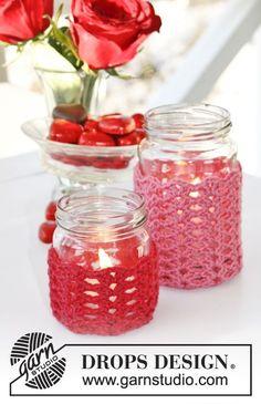 Love Spell / DROPS Extra 0-1078 - DROPS Valentine: Virkat DROPS överdrag till ljuslykta i Cotton Merino