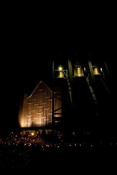 Wigilia Paschalna na Służewie w Warszawie. W środku nocy. #Paschal Vigil at the Dominican Order's church. #dominikanie #służew #warszawa #liturgia #wielkanoc #dzwony #bells