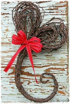 Valentine Idea - Create a willow heart - DIY by risusydan.blogspot.fi