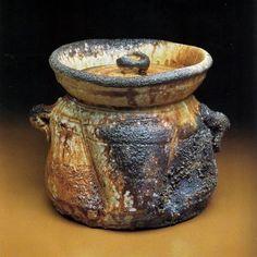 Shiho Kanzaki's Anagama  Iga water jar, mizzusashi.