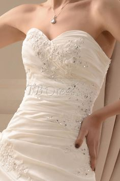 Gorgeous A-Line/Princess Sweetheart Chapel Wedding Dress