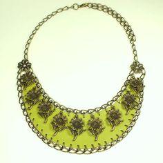 Купить Подсолнухи. Оливковый. Колье из натуральной кожи - оливковый, зеленый, колье, ожерелье, подсолнух, подсолнухи