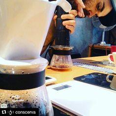 #Repost @conscerva with @repostapp  Hora do café bem tirado e com um bate papo show!!! Valeu @supernovacoffee @pedecafecwb e @barista_chr. #conscerva #cafe #barista  #coffeetime #coffeelocal #drinkgoodcoffee #pedecafecwb #hario #coffeelover #café  #caffè #cafe #curitilover #cwb #coffeegram #coffeehouse #v60 #instagram #instacoffee  #coffeegram #Aeropress  #kalita  #diadocafe #kalita #ilovecoffee #instacoffee #Coffee #coffeeart #coffeeporn #coffeeaddict #coffeeshop #coffeeholic…