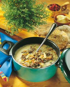 Hyviä ohrarieskoja ja nopea tehdä Bread Rolls, Finland, Bread Recipes, Breads, Curry, Ethnic Recipes, Food, Curries, Essen