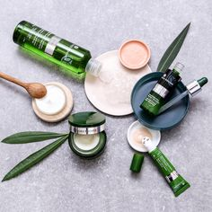 Makeup creator Insurance Makeup artists area unit accountable for applying cosmetics to their purchasers in a very skilled man. Barbados, Porto Rico, Makeup Items, L'oréal Paris, Pure Beauty, Pure Products, Beauty Products, Cosmetics, Flat Lay