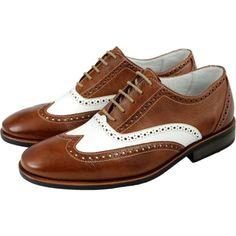 Os sapatos Oxford podem ser usados em diferentes situações 159c4adb4142e