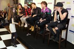 Ellie-Leigh is serenaded by One Direction for her birthday. #1D #OneDirection #HarryStyles #NiallHoran #ZaynMalik #LiamPayne #LouisTomlinson
