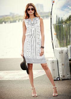 Vestido estampado com cinto branco/preto estampado encomendar agora na loja on-line bonprix.de  R$ 109,00 a partir de Vestido para chamar a atenção com ...