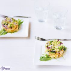 Smoked chicken with avocado - English recipe - This starter: a towerof smoked chicken with avocado is one of the most delicious appetizers I know.And the recipe is very simple. Let me show you!