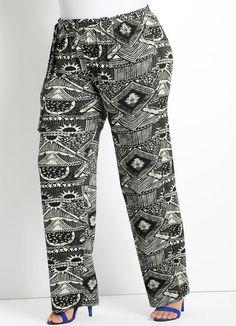 Posthaus: Calça Pantalona Estampa Étnica Plus Size Quintess, confeccionada em viscose com elastano. Modelo pantalona, com elástico no cós e detalhe de faixa para amarração. Cintura: Alta. R$ 99,99