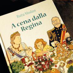 """A CENA DALLA REGINA di Rutu Modan La Giuntina Edizioni Ogni tanto, a casa nostra, aveva luogo la cosiddetta """"maialata"""". Una cena in cui era lecito qualsiasi sovvertimento del galateo. Una spaghettata selvaggia in cui le posate erano bandite, e a seguire i corollari più animaleschi. Chissà se Rutu Modan si è ispirata a simili storie familiari per il suo ultimo libro, un fumetto per bambini fresco, lineare e tremendamente divertente. Continua su…"""