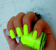 Make A Statement This Summer: 30 Electric Neon Nail Designs - buzznet Neon Nail Designs, Best Nail Art Designs, Short Nail Designs, Nails Design, Lime Green Nails, Yellow Nails, Neon Green, Lime Nails, Bright Yellow
