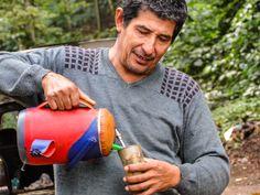 O hábito já está tão arraigado que, mesmo em dias frios, o paraguaio bebe o Tereré gelado...