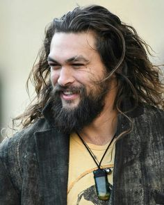 Jason Momoa... oh, the manliest of men.....