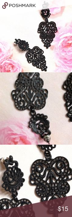 "Metal lace design dangle earrings Super sure dangle earrings with lace design Medal alloy, about 3"" long super cute!!  NWOT     🛍BUNDLE & SAVE 15%🛍 ✨TOP RATED SELLER✨ 📦SAME DAY OR NEXT DAY SHIPPING!📦 ❤REASONABLE OFFERS WELCOME❤ ❌NO TRADES OR PAYPAL❌ Jewelry Earrings"