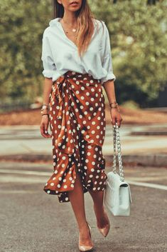 3c539f08cf7 The three different looks featuring the ruffle skirt trend this season.   womenstrends Fashion Outlet