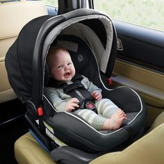 The SnugRide SnugLock 35 Elite Infant Car Seat has a hassle-free, worry-free installation for rear-facing infants using either vehicle seat belt or LATCH. Graco Infant Car Seat, Best Baby Car Seats, Baby Seats, Rear Facing Car Seat, Winter Car, Travel System, Beautiful Babies, Oakley, Baby Kids