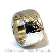 Sehr schwerer Ring aus Silber mit Hammerschlag - schlicht aber wirkungsvoll von JoeplJewels auf Etsy