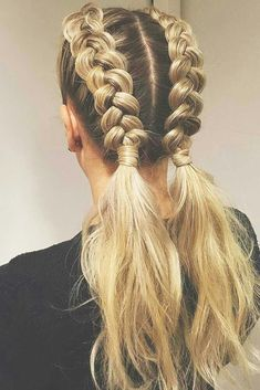 There are millions of options for what to do with a ponytail braid. It is up to you who you want to be today, either a rock star or a school teacher! # double Braids makeup 24 Ponytail Braid Brings in a Fresh Start Braided Ponytail, Ponytail Hairstyles, Trendy Hairstyles, Half Ponytail, Hairstyles 2018, French Plait Hairstyles, Blonde Hairstyles, Vintage Hairstyles, Summer Hairstyles