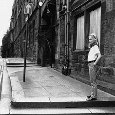 Blondie, on a Glasgow street, Rock And Roll Girl, Chris Stein, Blondie Debbie Harry, Glasgow Scotland, Blondies, New Wave, Punk, Instagram Posts, Urban