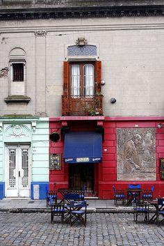 La Perla Café  en el barrio de La Boca, Buenos Aires