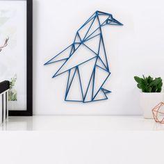 Origami Pinguin aus Holz in vielen verschiedenen Farben erhältlich.
