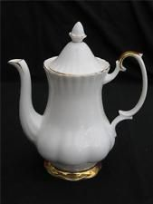 ROYAL ALBERT ' VAL D'or ' LARGE COFFEE POT - GILT EDGED LUXURY.