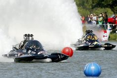 The top fuel hydro drag boat Spirit of Texas launches off