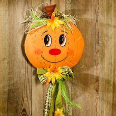 "Dekorace na dveře ""Dýně"" Manualidades Halloween, Halloween Crafts, Halloween Decorations, Autumn Crafts, Holiday Crafts, Diy For Kids, Crafts For Kids, Candy Themed Party, Non Toy Gifts"