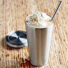 A stainless steel cold cup with embossed Siren logo and stainless steel straw. The iconic Starbucks Cold Cup, in a sleek stainless steel version. Starbucks Cup, Copo Starbucks, Starbucks Store, Starbucks Advertising, Cool Gifts For Teens, Espresso Drinks, Gadgets, Stainless Steel Straws, Coffee Machine