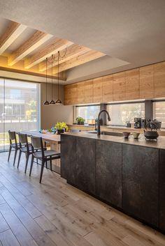 Kitchen Interior, Home Interior Design, Interior Architecture, Wooden Kitchen, Kitchen Dining, Contemporary Kitchen Design, Ceiling Design, Home Renovation, Home And Living