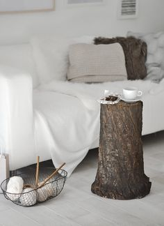 How to style a tree trunk at home