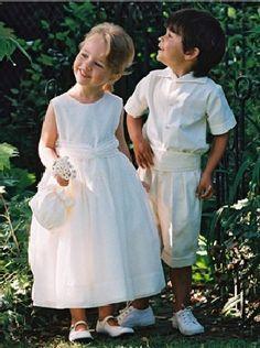 Daminha e pajem de branco