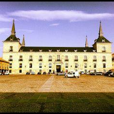 Hotel Parador de Lerma en Lerma, Castilla y León    #hotel #cyl #restaurante #palacio