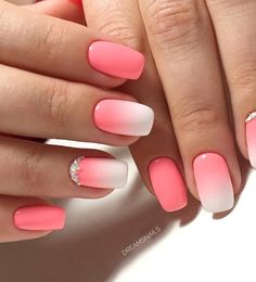 Semi-permanent varnish, false nails, patches: which manicure to choose? - My Nails Stylish Nails, Trendy Nails, Cute Acrylic Nails, Cute Nails, Pink Nails, My Nails, Gel Ombre Nails, Pink Summer Nails, Fall Nails