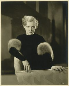 Kitty Kelly; photo by Ernest Bachrach