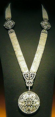 A Belle Epoque pearl, seed pearl and diamond sautoir, by Cartier, circa 1909. #Cartier #BelleÉpoque #sautoir