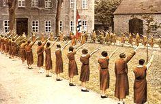 Hitler Jugend&BDM04
