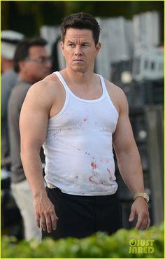mark wahlberg | Mark Wahlberg: Biceps & Blood on 'Pain & Gain Set'! | Mark Wahlberg ...