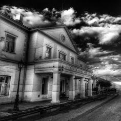 Estación Rosario Norte Monochrome, Sign, Mansions, House Styles, Rosaries, Parking Lot, Norte, Cities, Argentina
