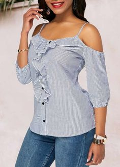 Stylish Tops For Girls, Trendy Tops, Trendy Fashion Tops, Trendy Tops For Women Blouse Styles, Blouse Designs, Mode Jeans, Dress Sewing Patterns, Trendy Tops, Ladies Dress Design, Fashion Outfits, Womens Fashion, Ruffle Trim
