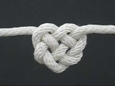 Learn how to tie a Celtic heart knot to be used in a Celtic Heart Knot Garland for decor, gift-wrapping, or a fun kid's craft. We've made our Celtic heart knots from Paracord, an inexpensive item available in so many colors! Diy Projects To Try, Crafts To Do, Craft Projects, Arts And Crafts, Craft Ideas, Diy Ideas, Celtic Heart Knot, Celtic Knots, Do It Yourself Jewelry